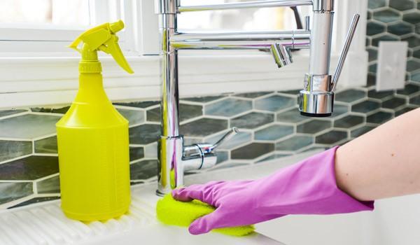 شستشو و نظافت آشپزخانه